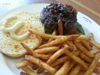 Beef Yard Burger